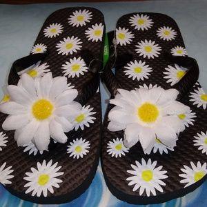 Kids daisy flip flops